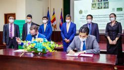 Partnership to provide Cambodian youth with mobile devices, data service