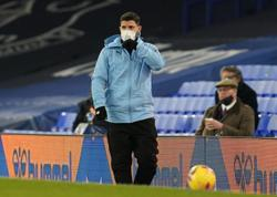 Man City's Aguero says his future has yet to be decided