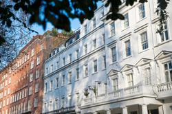 UK average house prices surpass £250,000 for the first time
