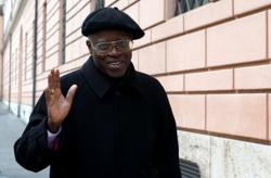 Conservative African cardinal who clashed with pope leaves post