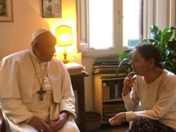 Pope pays surprise visit to home of elderly Holocaust survivor