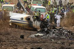 Nigerian air force passenger plane crash kills 7 people
