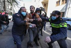 Georgian police storm opposition party offices, detain its leader