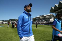 Kohli's pink-ball plan - treat it like normal test with reversed sessions