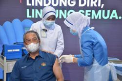 Muhyiddin receives first dose of Covid-19 vaccine