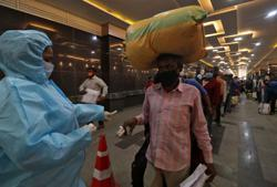 India warns states of worsening COVID-19 situation if rules ignored