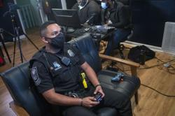 US cops overcome distancing hurdles, connect with teens through online gaming