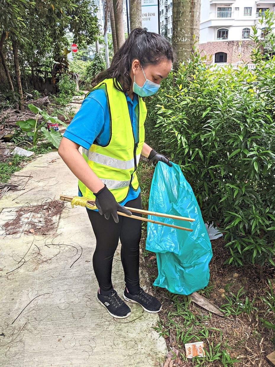 Nora also went around her neighbourhood to pick up plastic litter and other trash. Photo: Nora Zain