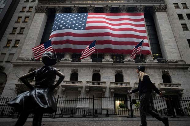 The Dow Jones Industrial Average closed 559.85 points lower, or 1.75%, to 31,402.01, the S&P 500 lost 96.09 points, or 2.45%, to 3,829.34 and the Nasdaq Composite dropped 478.54 points, or 3.52%, to 13,119.43.