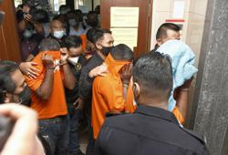 Four men, including two cops, remanded over bribery investigation