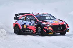 Tanak leads after opening day in the Arctic