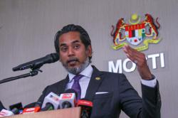 Khairy: Pfizer must submit new data showing vaccine stable for two weeks at -20'C for NPRA approval