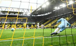 Dortmund back in top five with second win in a row