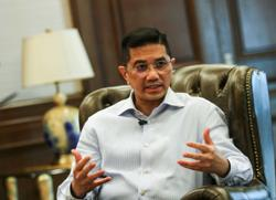 Azmin confirms two PKR MPs have quit the party, now support Perikatan govt
