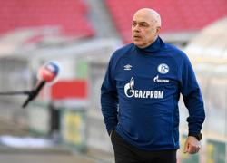 Schalke sack coach Gross, club officials as relegation nears