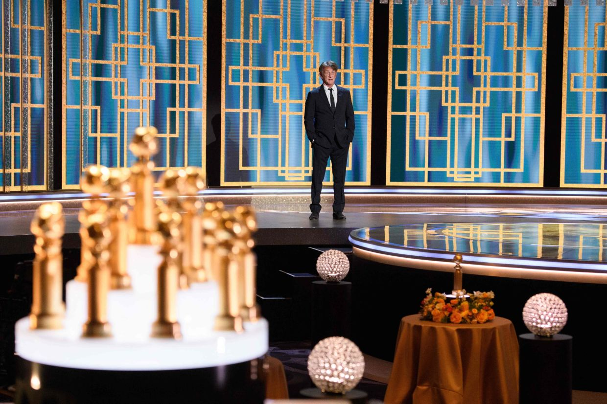 Sean Penn presenting  during the 78th Annual Golden Globe Awards in Beverly Hills, California. Photo: HFPA