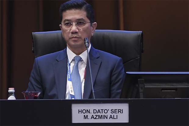 Senior Minister and Minister of International Trade and Industry, Datuk Seri Mohamed Azmin Ali said these investments are expected to create 114,673 new jobs in various sectors of the economy once implemented.