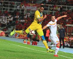 Pahang boast 'twin towers' at the back as Goulon reunites with Wague