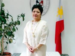 Philippines fires diplomat whose maid attacks were caught on film