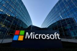 Microsoft steps up push to bring virtual reality to the masses