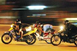 Johor cops nab seven bikers for reckless riding