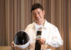 Up for a Moon voyage? Japan mogul offers space seats