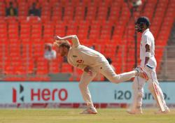 Stokes leads England's fightback, India 153-6 at tea