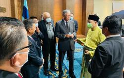 Sabah CM: Cut red tape to boost investments