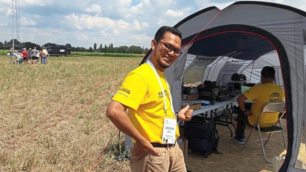 Zaki (left) with Thai teammate Champ C. Muangamphun at the 2018 World Radiosport Team Championship (WRTC) in Germany.