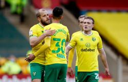 Leaders Norwich ease past Luton, Watford up to second with win