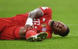 Bayern's Boateng suffers knee injury