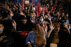Thailand: Anti-Government protesters return to streets, defying ban on public gathering