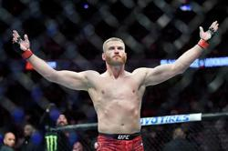 Mixed Martial Arts-Blachowicz edges Adesanya to retain UFC crown