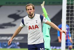 Kane and Bale fire Tottenham to 4-1 win over Palace