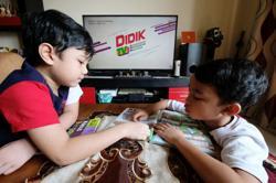 Improve DidikTV content to remain relevant, urge academics