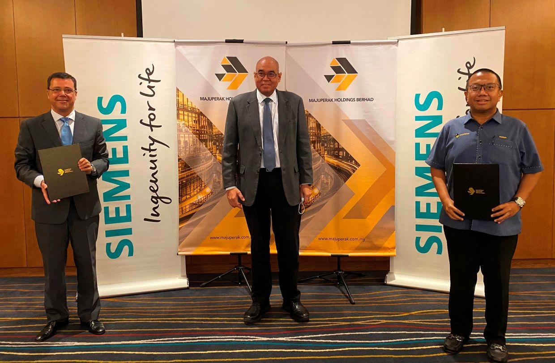 From left: Jose Andrade, Datuk Redza Rafiq Abdul Razak and Nizran Noordin at the signing of the MoU between Majuperak Holdings and Siemens Malaysia