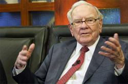 Warren Buffett's net worth reaches US$100b
