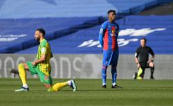 Palace's Zaha becomes first Premier League player not to take knee