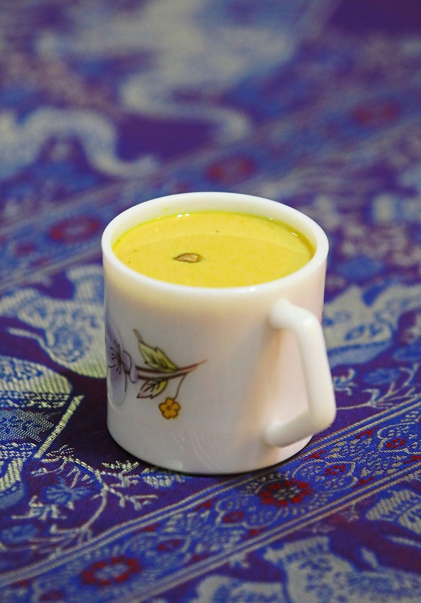 Turmeric milk tea is comforting, as it has light hints of peppery masala chai with the subtle taste of turmeric and aromatic spices.