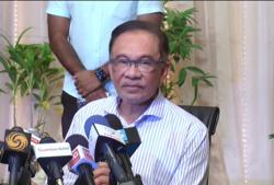 Opposition parties tell Anwar to reject cooperation with 'kleptocrats'