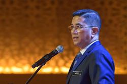 Embrace digitalisation to grow in post-Covid-19 economy, Azmin tells SMEs