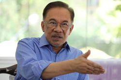 More Opposition lawmakers express concern over Anwar's informal talks with Umno