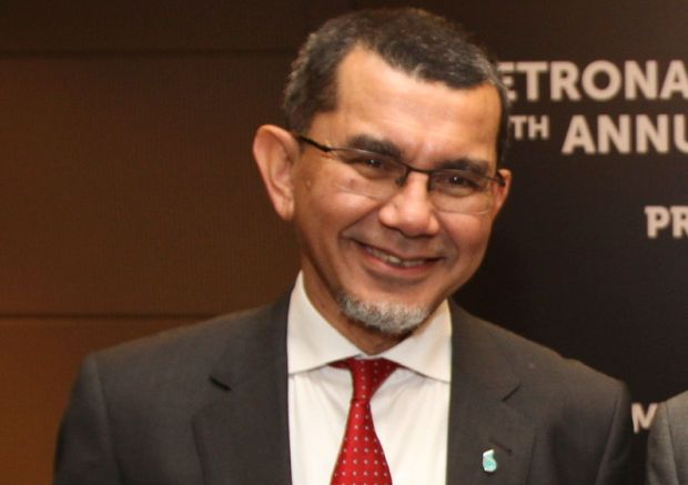 """""""We are pleased to secure this contract as we focus on building a strong track record in submarine cable laying and repair works in Indonesia, """" said group managing director Datuk Seri Syed Zainal Abidin Syed Mohamed Tahir.(pic)"""