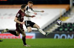 Fulham squander chance to escape bottom three