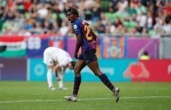 Barcelona women win 20th straight game