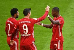 Soccer-Lewandowski hat-trick helps Bayern rout Stuttgart, Dortmund held