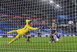 Soccer-Brighton win basement battle against sorry Newcastle