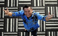 Singers Zainal Abidin, Zee Avi to perform at live shows with concert Alive Again