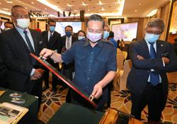 Government wants more bumis in furniture venture