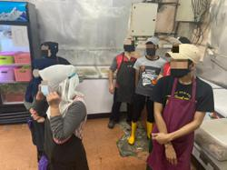 29 foreigners held for working in restaurants without a permit